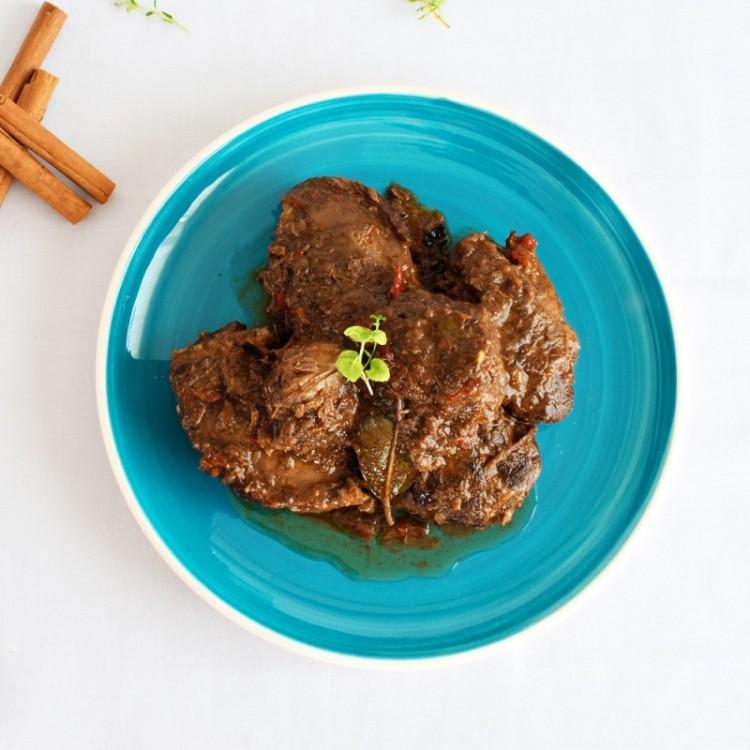 Schweinebäckchen in Zimtsauce (Carrillada ibérica en salsa de canela) 350 g